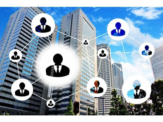 情報収集段階で顧客に接触する
